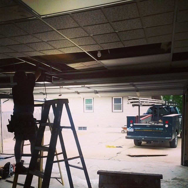 Garage door installer cost whats the cost for 16 x 10 garage door cost