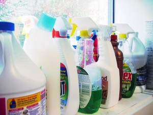household cleaners commercial vs homemade diy cost